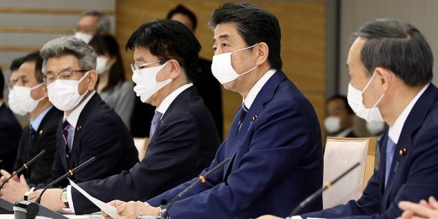 Shinzo_Abe and Yoshihide_Suga